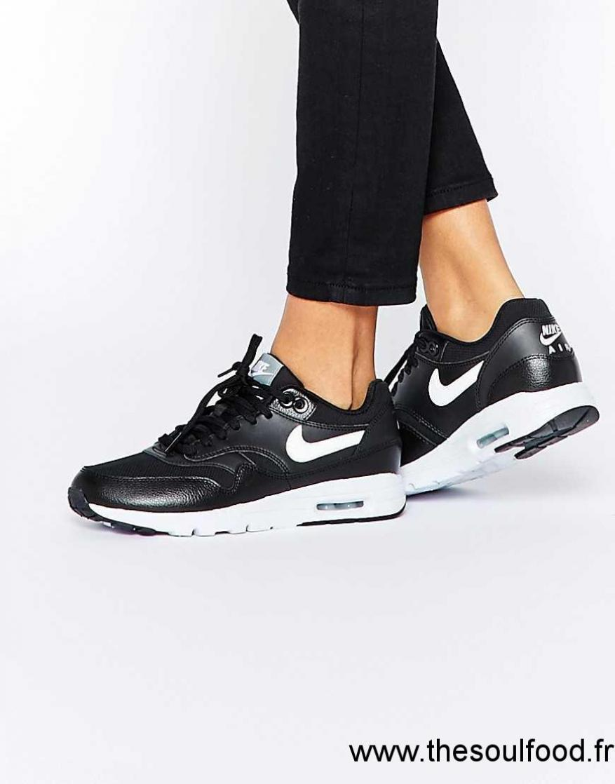 chaussures de sport 72871 121c9 Nike - Air Max 1 Ultra Essentials - Baskets - Noir Et Blanc ...